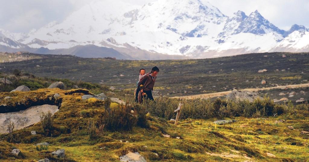 storytelling-w-fotografii-mongolia-kobieta-z-dzieckiem-odwaz-sie-wiedziec-fair-travel-event